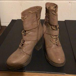Shoes - Ladies boots